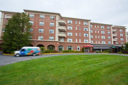 Hampton Inn & Suites - Stamford